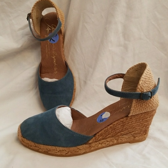 b12a5e80ae24 gaimo Shoes - Gaimo Espadrilles 7.5 blue wedge sandals Obi FIRM